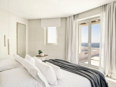 Deluxe Room with Jetted Tub Sea View (2)