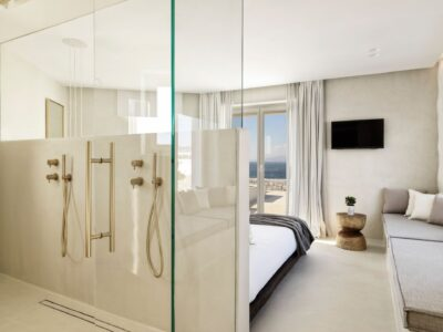 Deluxe Room with Jetted Tub Sea View (4)