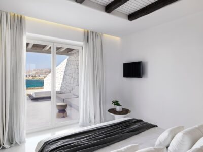 Junior Suite with Private Pool Sea View (2)